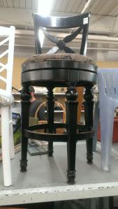 Refurbished stool 1 (2015_07_13 21_22_07 UTC)